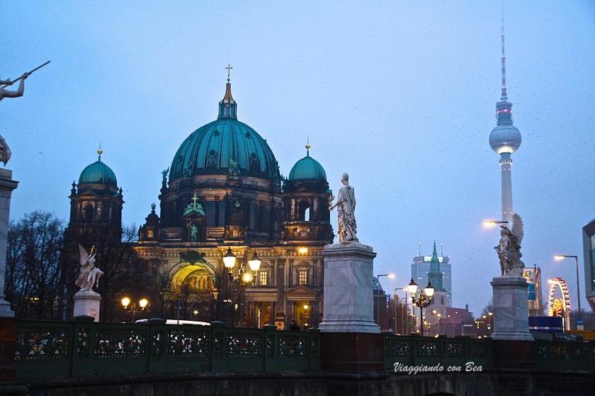 Berliner Dom e Fernshturn un meraviglioso connubio