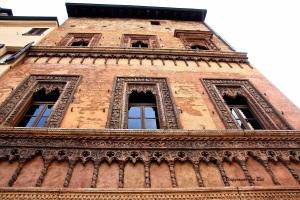 Casa quattrocentesca tra Piazza delle Erbe e Piazza Mantegna