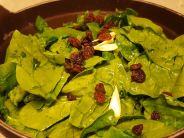 Far saltare in padella con uvetta, aglio, sale ed olio